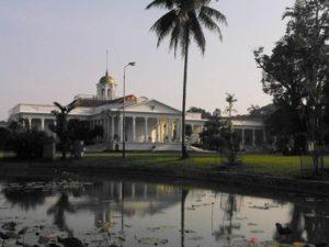 Te Buitenzorg Yang Cantik – Istana Bogor