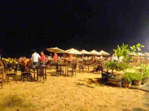 Makan Malam di Pantai ala Jimbaran, Bali Sambil Nonton Tari Bali