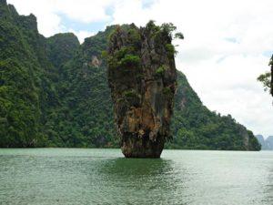 Pulau James Bond , Phuket – Saat Roger Moore Menjadi Pemerannya