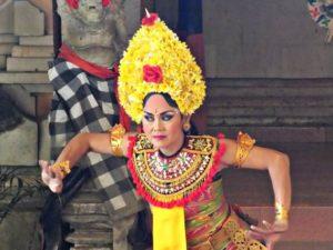 Lirik Mata Penari Bali Yang Tajam Tetapi Sesuai Dengan Irama Lagu Pengiring