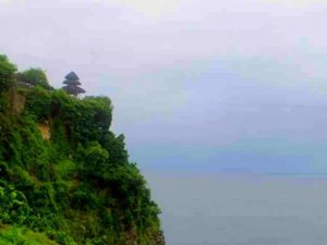 Pemandangan Indah Pura Uluwatu