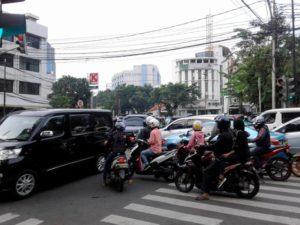 Lakukan 7 Hal Ini Supaya Anda Menjadi Pengendara Yang Membantu Menghindarkan Kemacetan