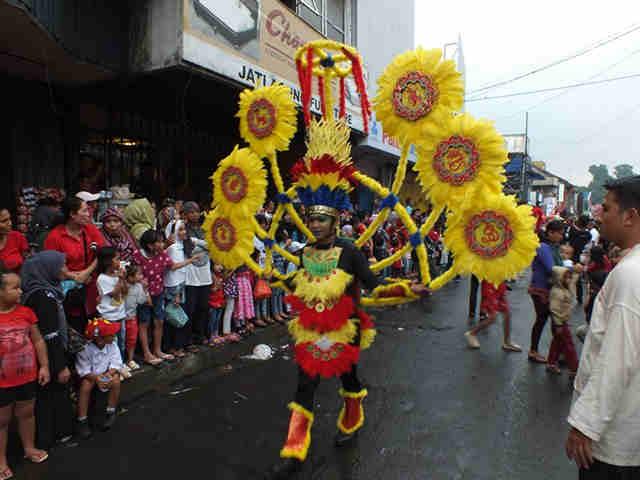 SemakiN Terasa Globalisasi Semakin Merasuki Budaya Indonesia