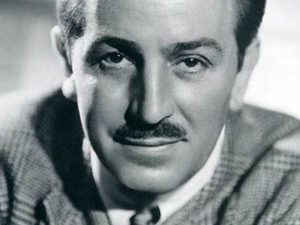 Untuk Memulai Sesuatu Berhenti Berbicara Mulai Bekerja – Walt Disney