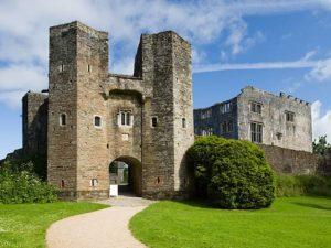 Berry Pomeroy Castle – Puri Paling Angker dan Berhantu di Inggris