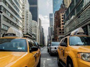Berapa Jarak Aman Dengan Kendaraan Di Depan Yang Harus Dijaga Agar Tetap Aman