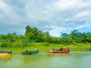 Sudah Ada Perahu Motor Tenaga Surya Loh! – Patut Dicontoh di Indonesia