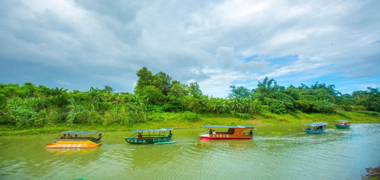 Sudah Ada Perahu Tenaga Surya Loh! - Patut Dicontoh di Indonesia