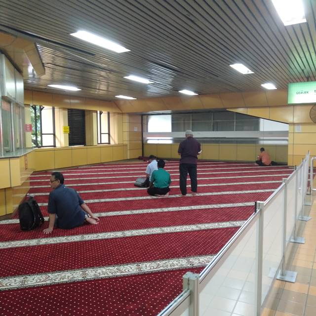 [FOTO] Mushola Di Stasiun Gondangdia