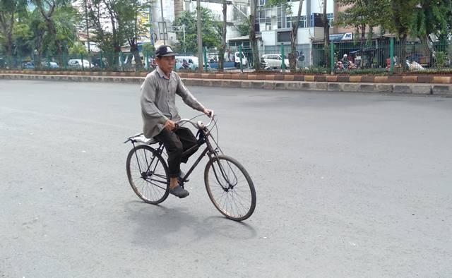 Ojek/Ojeg Sepeda Di Jakarta Ternyata Masih Ada Loh!