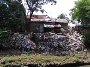 Benarkah Bogor Mengirimkan Sampah Ke Jakarta Lewat Aliran Sungai? Pak Anies Baswedan BENAR!