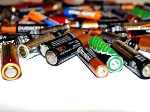 Mengapa Baterai Bekas Jangan Dibuang Sembarangan ?