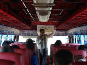 Pemandu Wisata Di Siem Reap Kamboja Berseragam Dan Harus Lulus Ujian