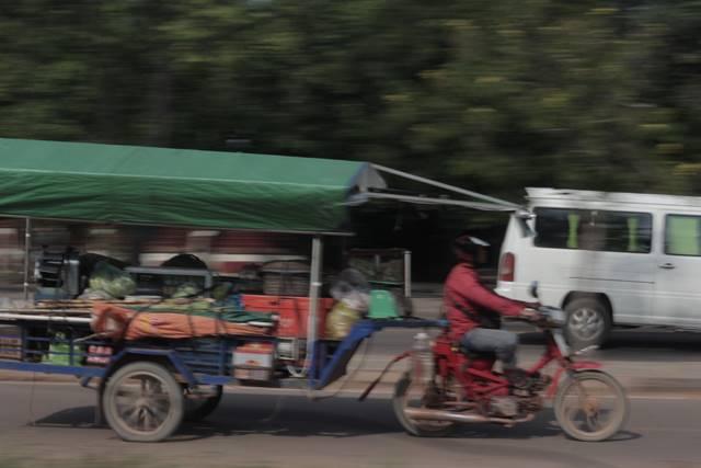 Remork, Tuk Tuk Kamboja : Delman Bermotor Favorit Wisatawan Di Siem Reap