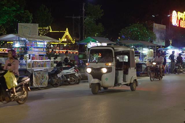 Punya Perut Kuat ? Coba Makanan Unik, Aneh, Dan Mengerikan Ala Siem Reap Kamboja Ini