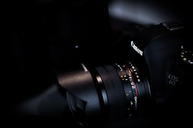 Apa Sih Beda Kamera Full Frame Dan Kamera APS-C ?