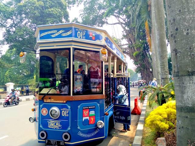 Bus Uncal : Sang Rusa Beroda Pengantar Wisatawan Dengan Cuma-Cuma