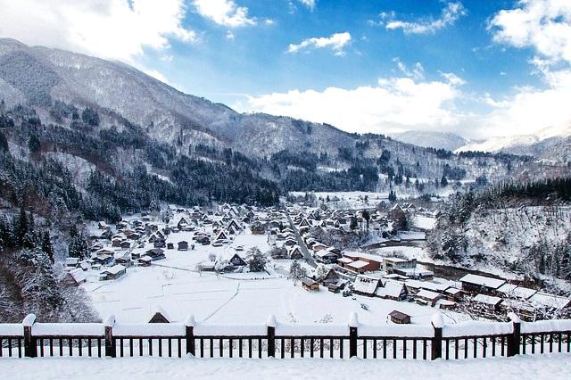 [FOTO] Shirakawa-go : 3 Desa Klasik Nan Indah Di Tepi Sungai Putih