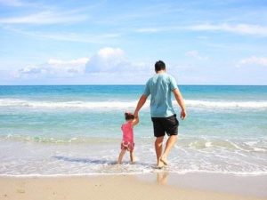 Apa Sih Istilah Staycation Itu ? Apa Bedanya Dengan Vacation ?