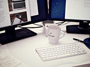 Niat Jadi Full Time Blogger ? Jangan Lepas Pekerjaan Tetap Dulu