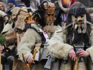 Kukeri : Tradisi Mengusir Setan A la Bulgaria