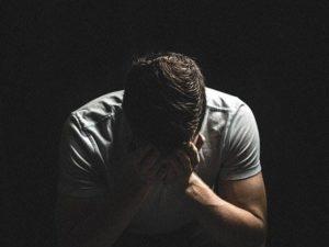 10 Alasan Pria Menangis, Belum Tentu Cengeng