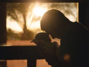 Mana Yang Benar : Anak Butuh Orangtua atau Orangtua Butuh Anak?