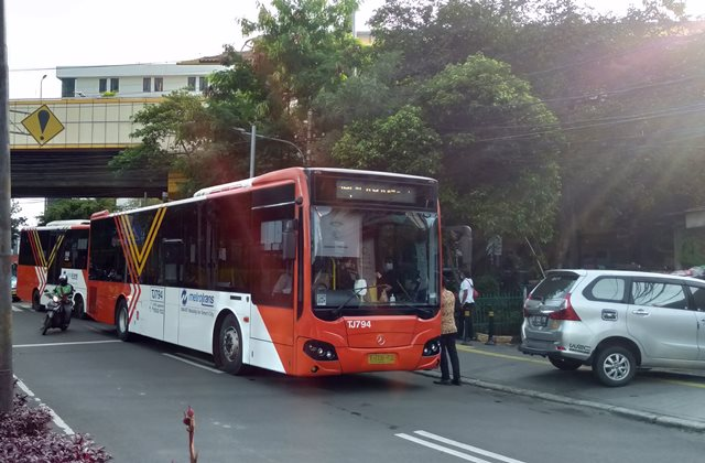 Bis Metro Trans Gondangdia - Tanah Abang Tidak Pakai Uang Cash