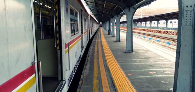 Cara-Menuju-Depok-Dari-Tangerang-Menggunakan-Commuter-Line