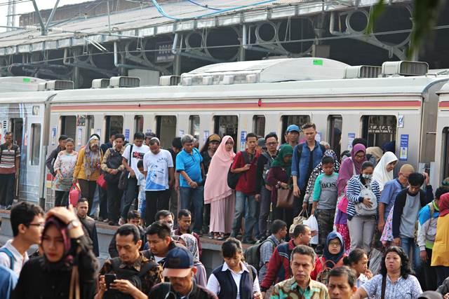 Cara Menuju Kalideres Dari Bekasi Menggunakan Commuter Line - KRL Jabodetabek
