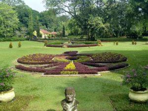 [Foto] Lambang Garuda di Sebuah Taman Kebun Raya Bogor
