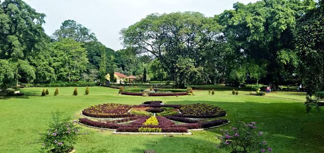 Lambang Garuda di Taman Soedjana Kassan Kebun Raya Bogor