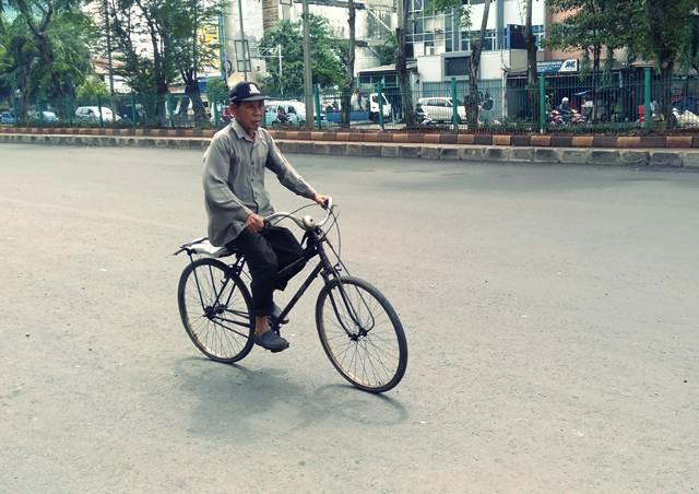 Ojeg Sepeda Di Stasiun Jakarta Kota