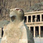 Patung Horus si Dewa Elang Penguasa Angkasa