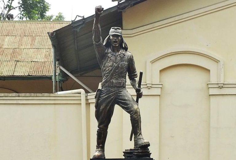 Patung Soeprijadi Pemimpin Pemberontakan PETA di Blitar