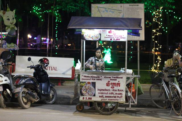 Pedagang Makanan Kaki Lima di Siem Reap Kamboja 4
