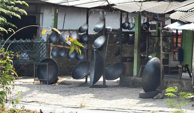 Pedagang Penggorengan - Kuali Ukuran Jumbo di Salabenda Bogor 2