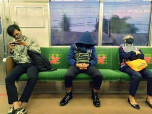 9 Tips Jaga Jarak (Physical Distancing) Selama Pandemi di Commuter Line