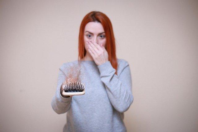 Jangan Langsung Bingung Ketika Rambut Rontok!