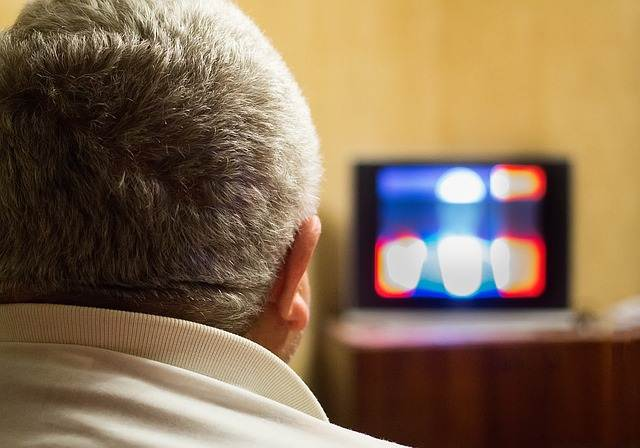 Menonton acara TV tanpa subtitle membantu menguasai bahasa asing